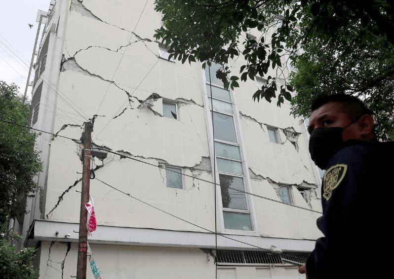 Mexico natural disaster: Powerful 7.7 M quake kills 6, tsunami inform issued