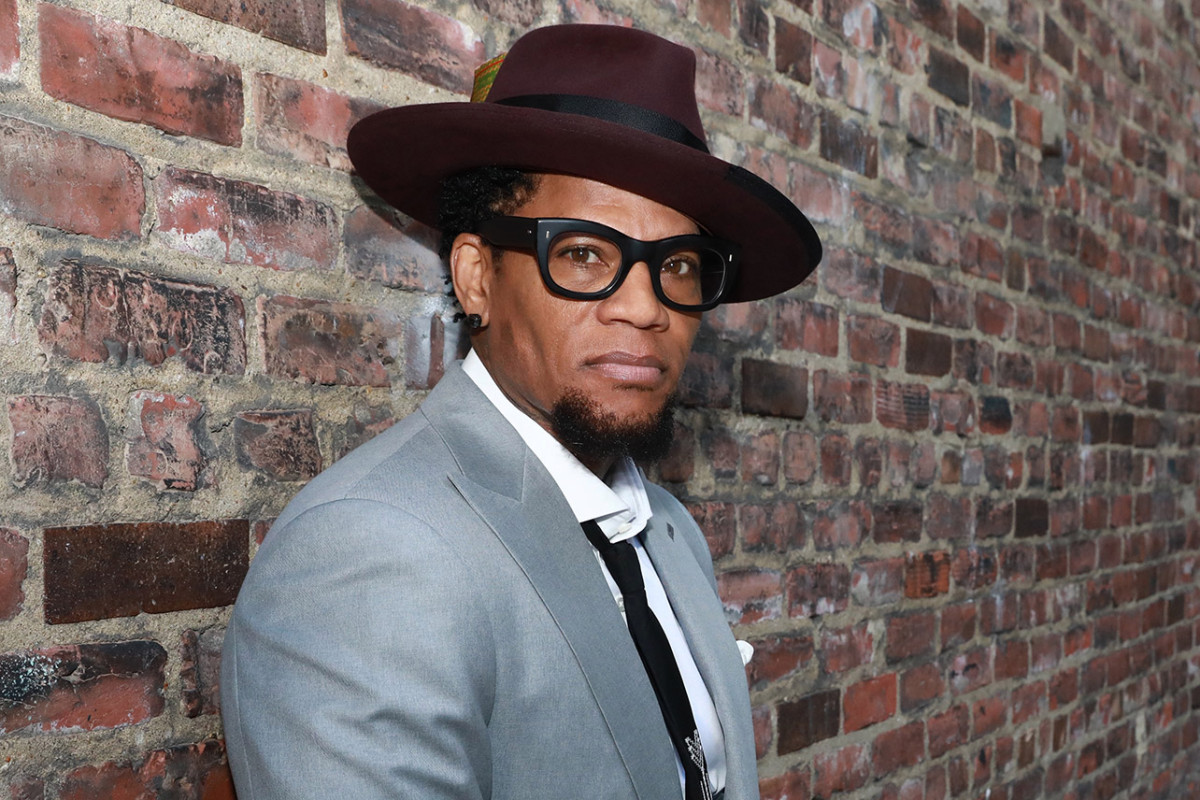 D.L. Hughley Collapses Onstage, Tests Positive For COVID-19