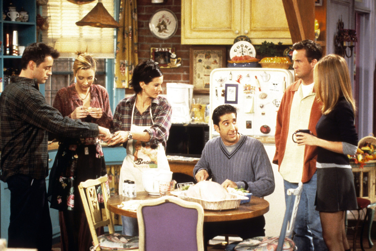 'Friends' reunion will resume shooting in August
