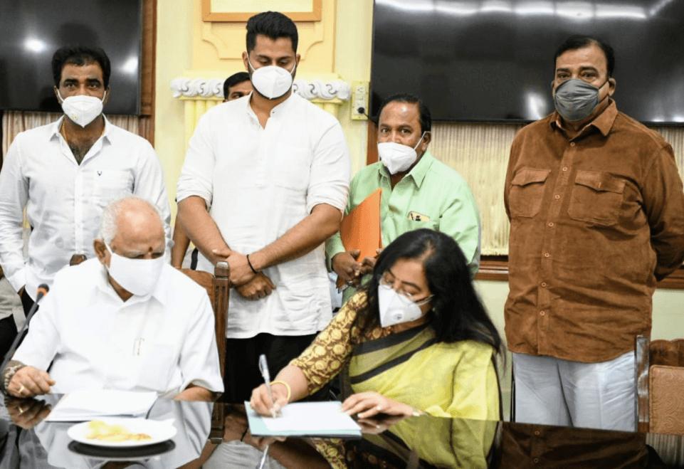 Karnataka CM sanctions Rs 5 crore for Sandalwood star Ambareesh