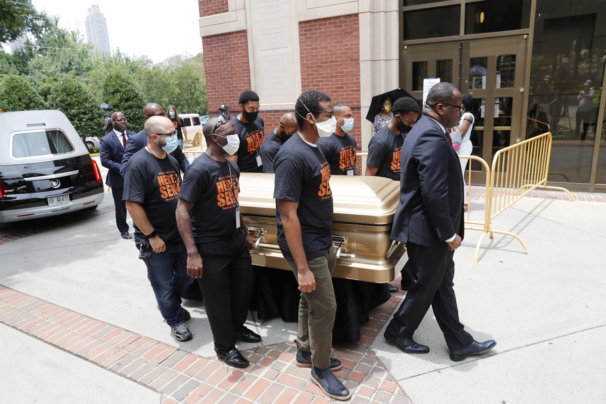 Mourners pay respects to Rayshard Brooks during public viewing