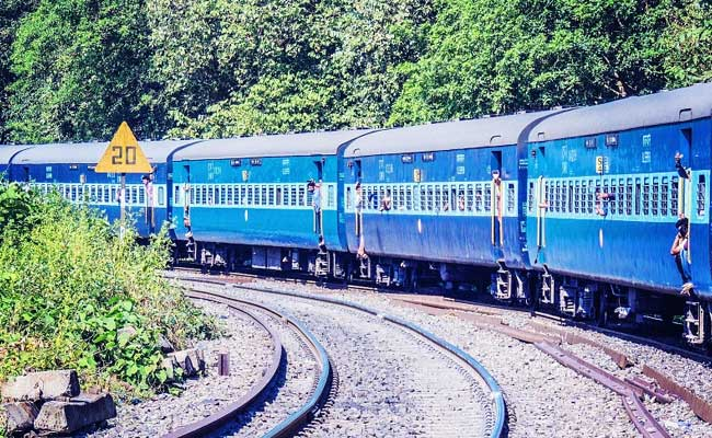 Uttarakhand Man Gets COVID +ve Text On Train, 20 Passengers Quarantined