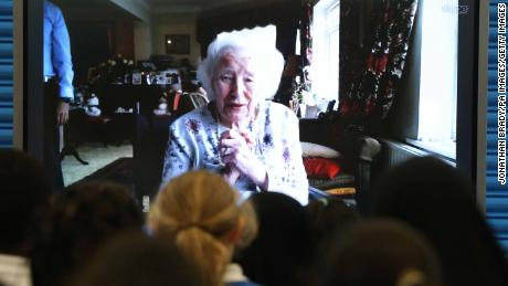 Vera Lynn Skypes with students from her former east London school, Brampton Primary, on her 100th birthday.