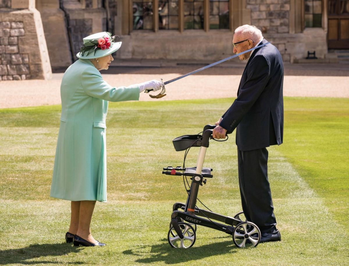 Sir Capt. Tom Moore knighted by the Queen