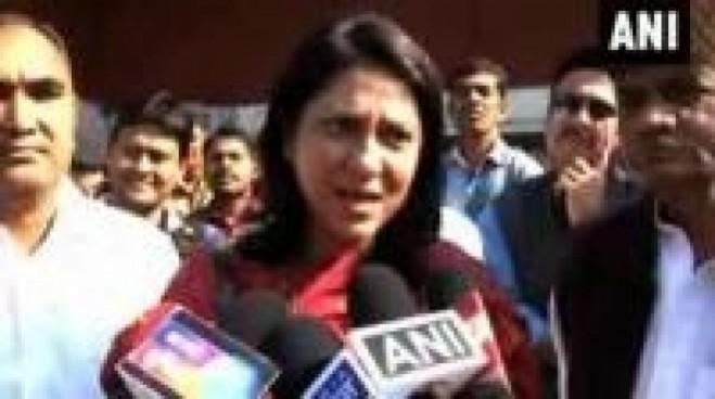 Tehelka sexual assault case should not be politicized: Priya Dutt