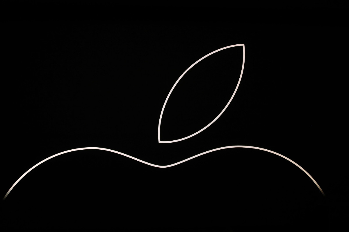 Apple's stock nears all-time high as analyst eyes $2T market cap