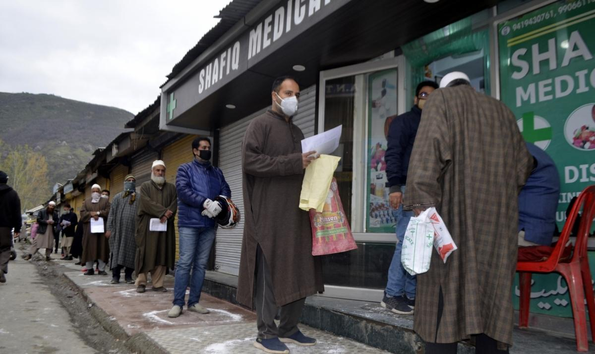 Srinagar in lockdown again as COVID worsens; containment zones demarcated
