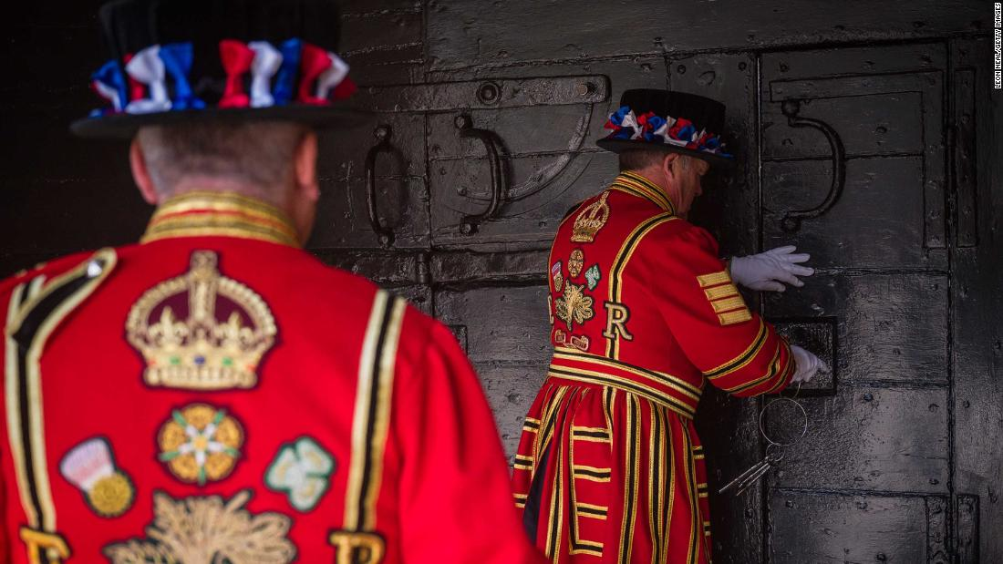 Beefeaters at the Tower of London face redundancy due to pandemic