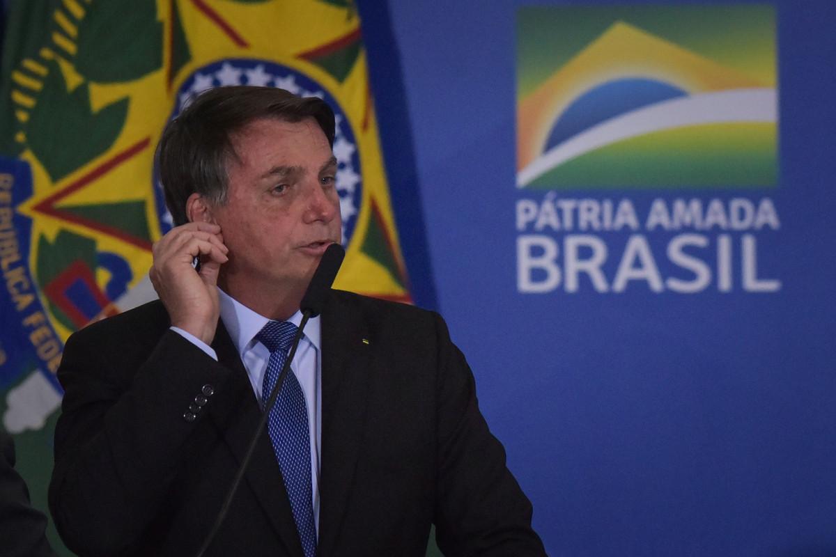 Brazil media group to sue President Bolsonaro over coronavirus risks