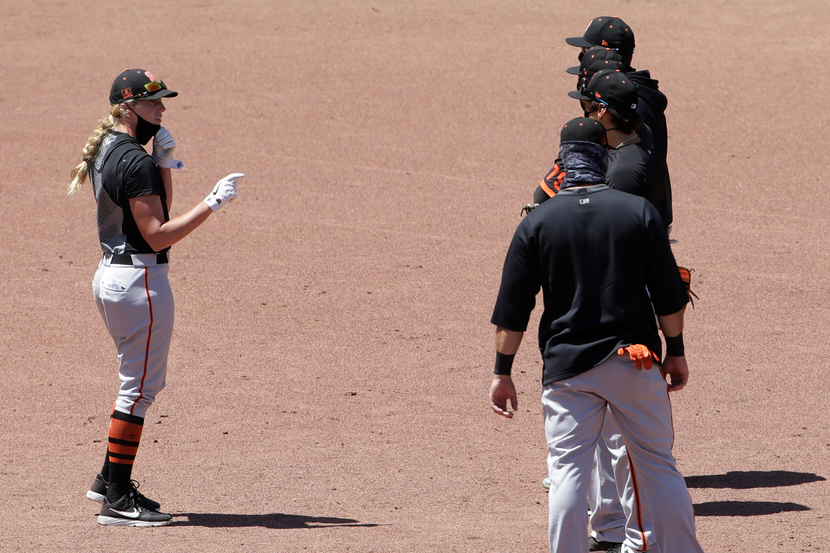 Giants' Alyssa Nakken makes history as first female MLB coach