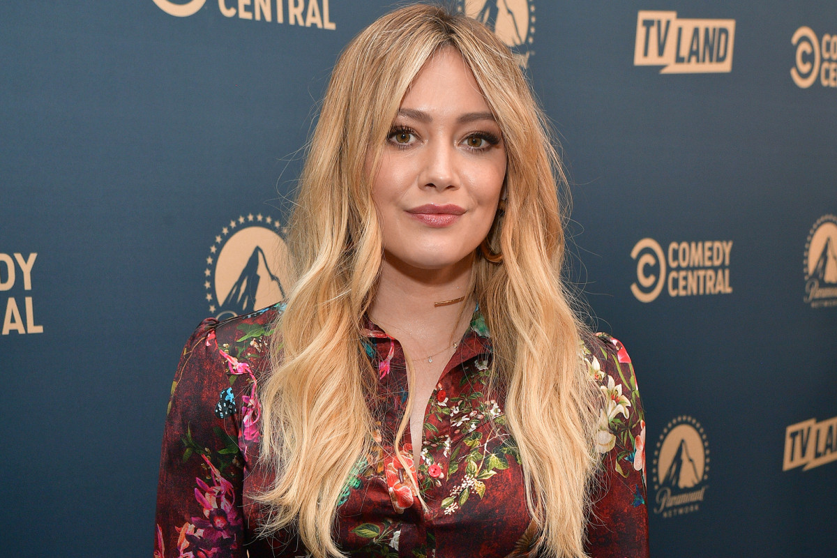 Hilary Duff blasts July 4th partiers amid the coronavirus crisis