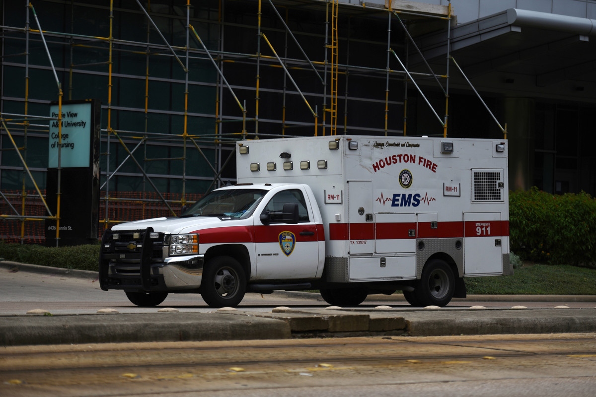 Houston hospitals transfer patients out of city amid COVID-19 spike