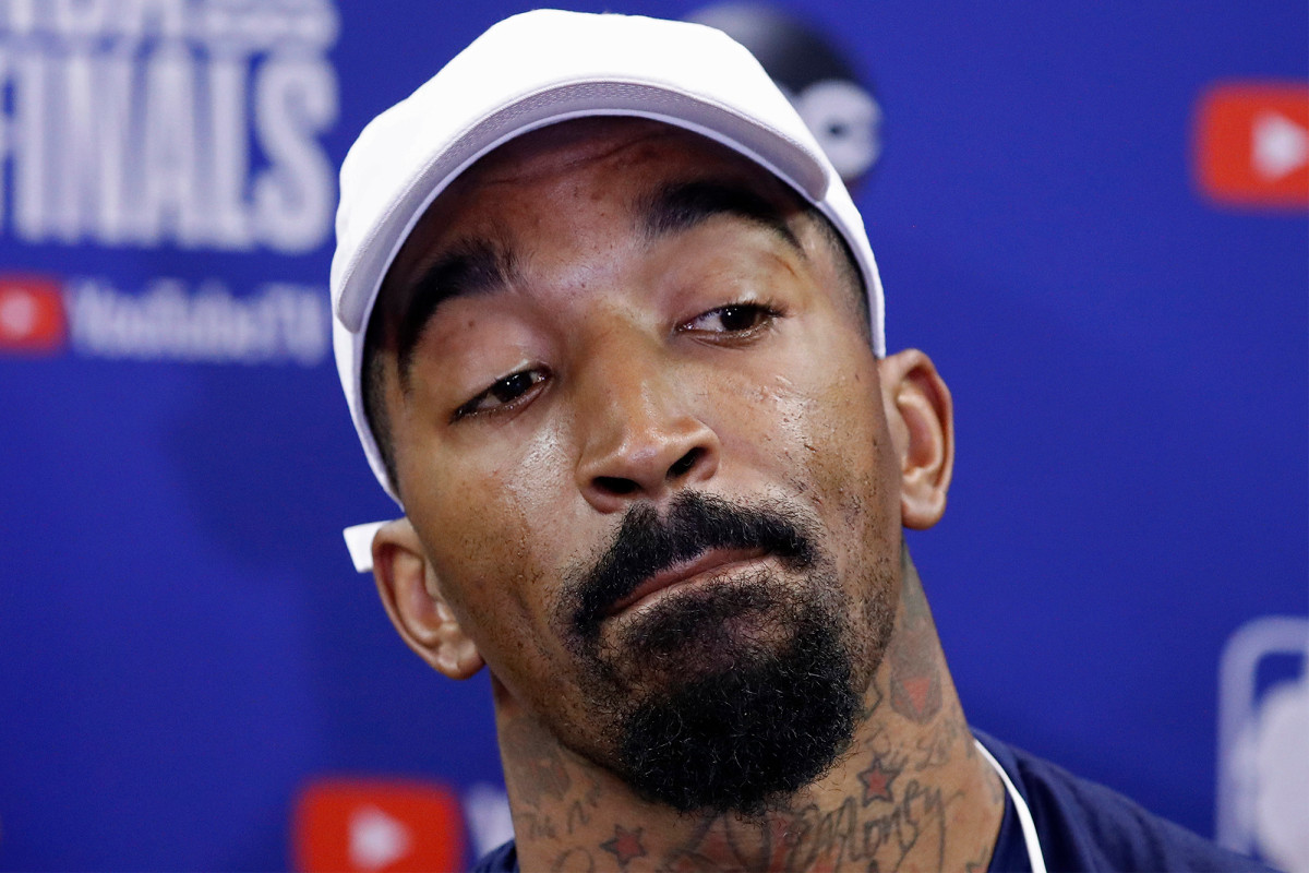 J.R. Smith told to stop 'exposing too much s--t' in NBA bubble