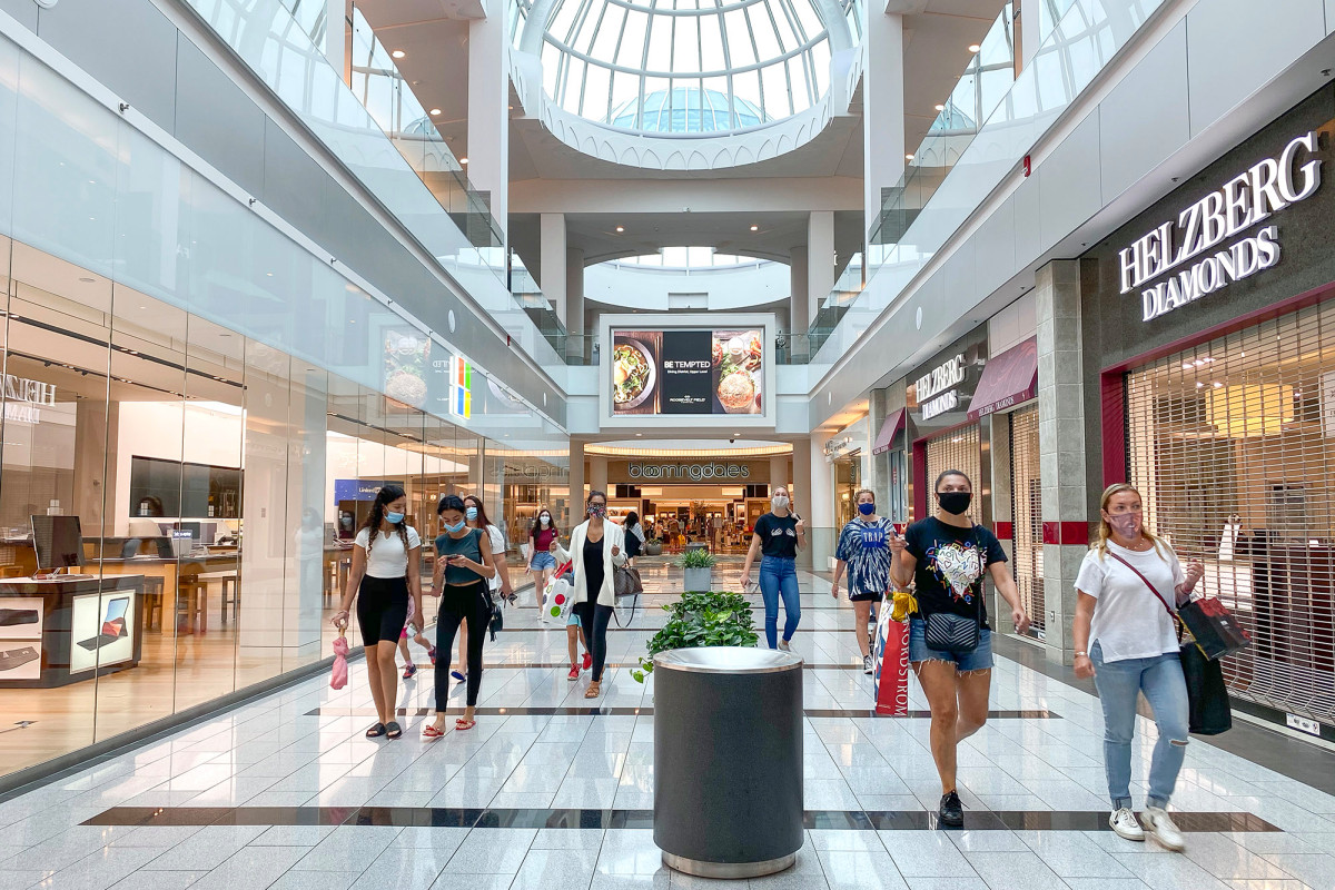 LI's Roosevelt Field mall reopens for first time since pandemic