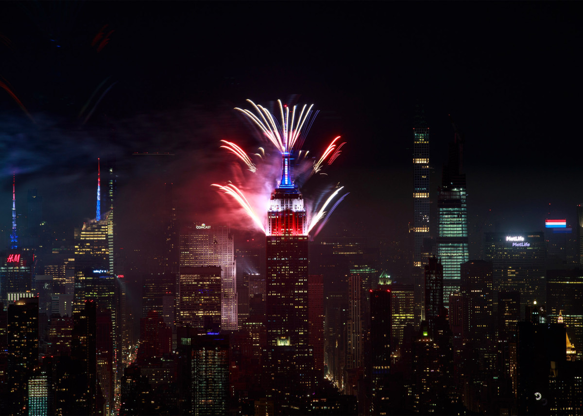 Macy's 4th of July fireworks end with Empire State Building display