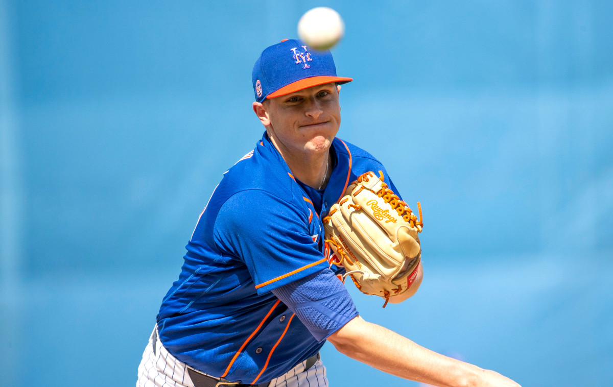 Mets reliever Brad Brach among those not yet at spring 2.0