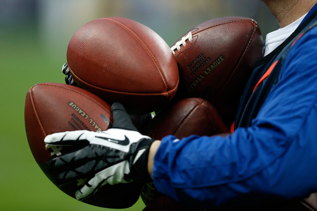NFL players risk pay if 'high-risk' activities lead to COVID