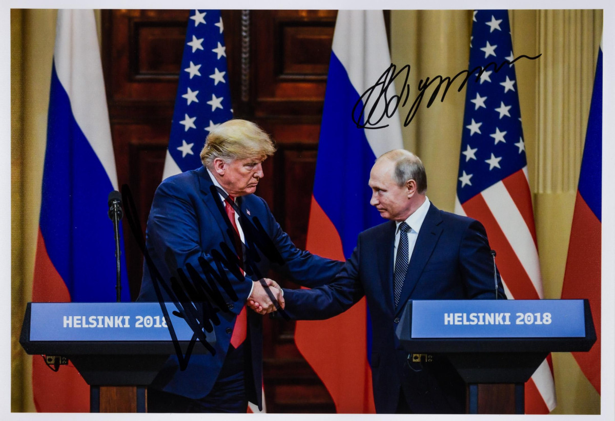 Only known jointly signed pic of Vladimir Putin and Donald Trump costs $32,500