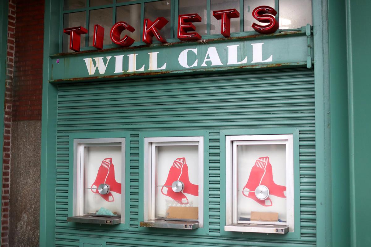 Red Sox beating Yankees, Mets, in coronavirus ticket policy