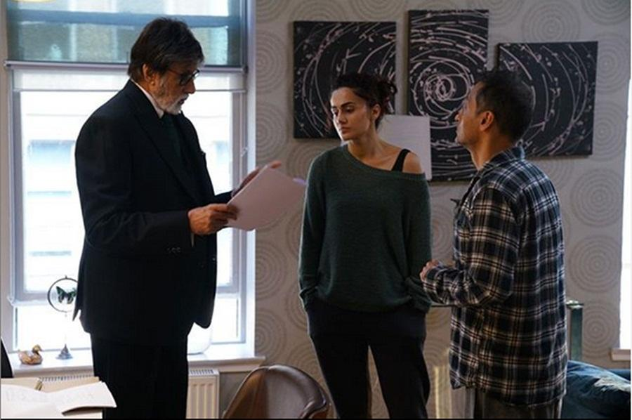 Taapsee Pannu with Amitabh Bachchan and director Sujoy Ghosh on Badla set