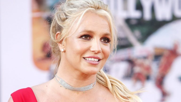 Britney Spears asks court to end father's control