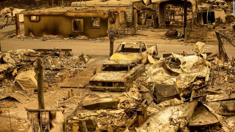 California wildfires: Firefighters struggle to contain 560 blazes