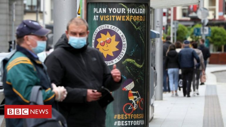 Coronavirus: Ireland at 'tipping point' as Covid-19 cases rise
