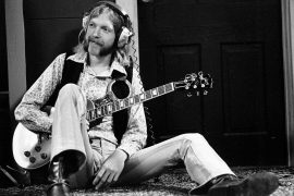 SHEFFIELD, AL - SEPTEMBER 23: Guitarist Duane Allman of the Southern rock group the 'Allman Brothers' holds his Gibson Les Paul electric guitar at Muscle Shoals Studios on September 23, 1969 in Sheffield, Alabama. (Photo by Michael Ochs Archives/Getty Images)
