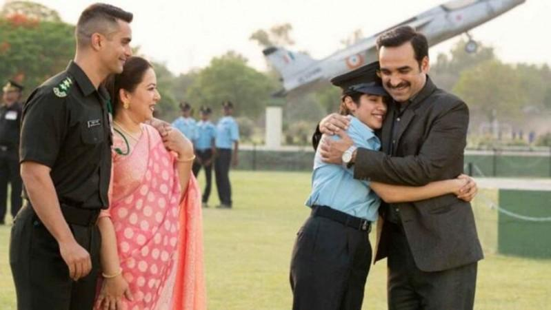 Gunjan Saxena Movie Review This Is What Taran Adarsh Sumit Kadel And Other Critics Say About Jahnvi Kapoor S Film