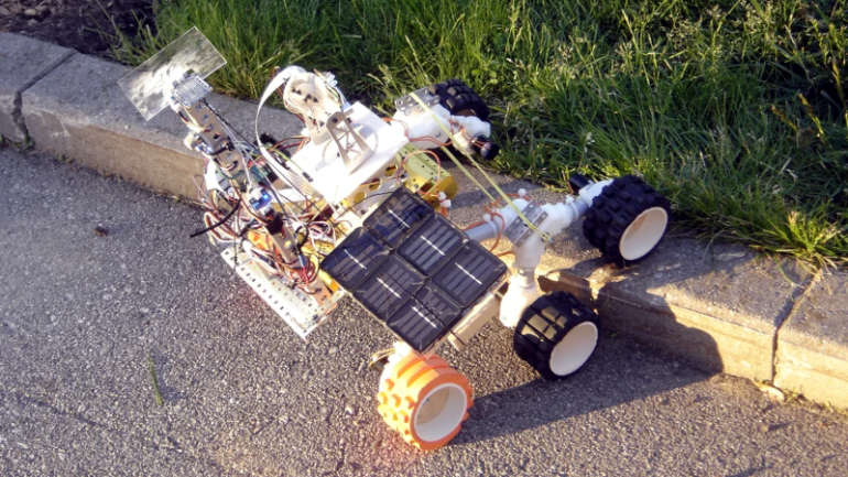 Student Rover Explores The Backyard In Tribute