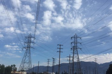 Extreme heat hits California, spurring rolling power outages for first time since 2011