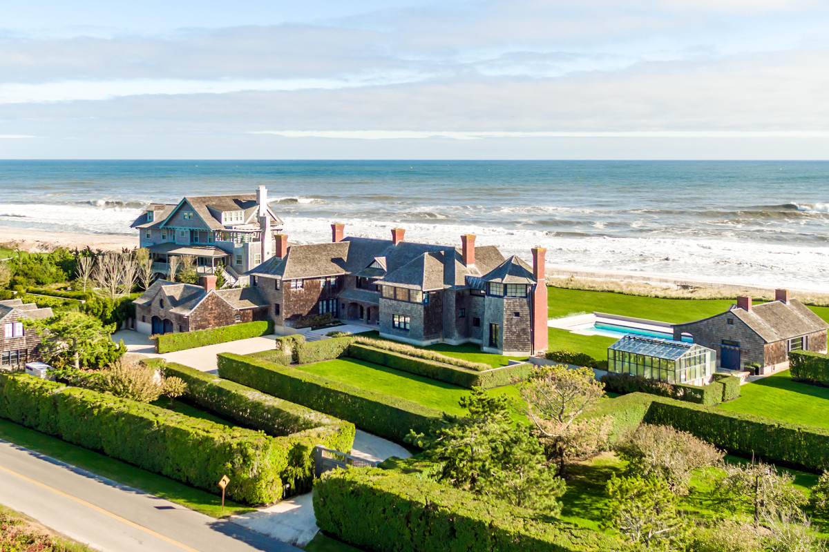 Rich New Yorkers buying up multiple Hamptons quarantine mansions