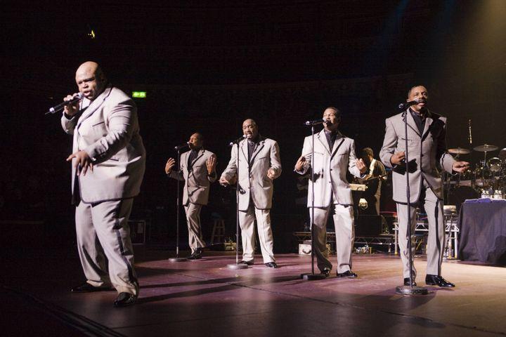 Bruce Williamson, Joe Herdon, Otis Williams, Ron Tyson, Terry Weeks & nbsp; November 19, 2007 at the Royal Albert Hall. & Nbsp;