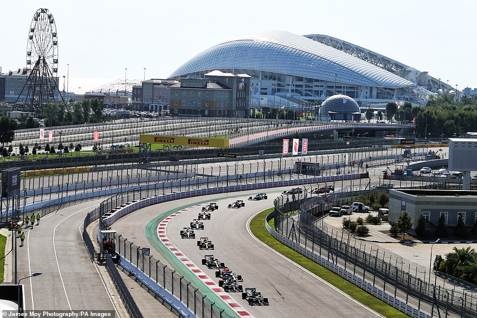 At the start of the race in Sochi, Hamilton took the lead from the polar position to Botas and Verstappen.