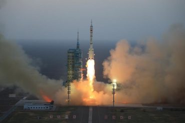 China secretly launches 'reusable experimental spacecraft'