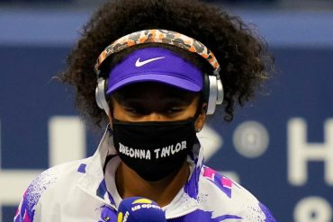 Naomi Osaka wears a mask honoring Briona Taylor before winning the US Open