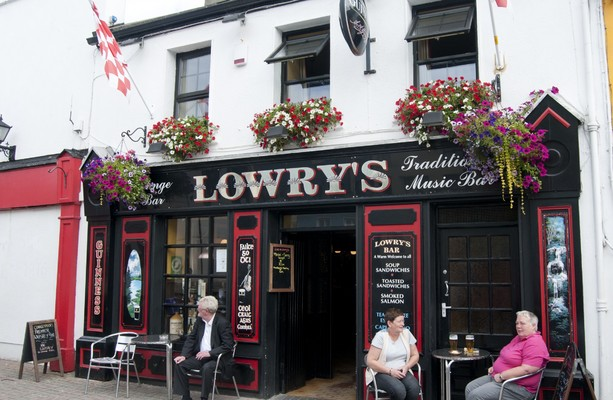 Wet pubs outside Dublin can reopen to consumers today