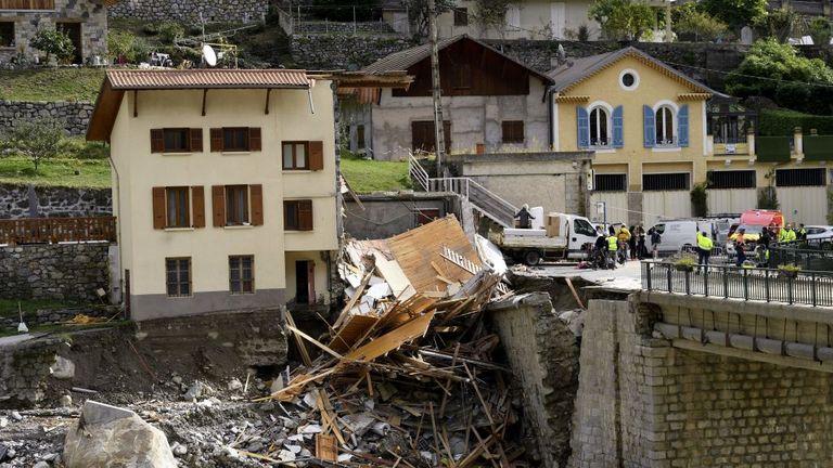 A broken house and road in St. Martin-de-Vesubi