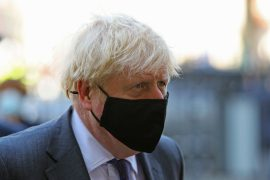 Johnson will hold a press conference during the UK lockdown project