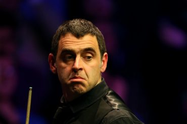 Ronnie O'Sullivan defeats Brian Ochoiski for his first victory since the World Championships