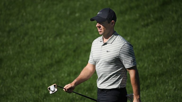 Seven shots by leader Henley after 66 in Vegas McIlroy