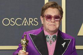 Sir Elton John hits Sir Rod Stuart in the cheek |  Entertainment
