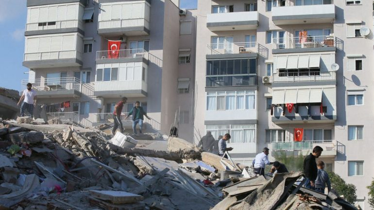 The quake killed at least six people and injured 120 in Turkey and Greece