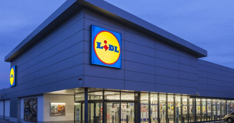 Irish jobs: Tesco, Aldi, Liddle, Duns stores, and Superwall all employ with good pay and discounts