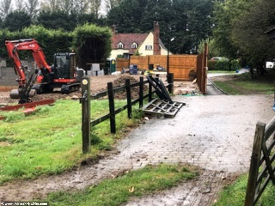 Massive work: The couple demolishes a $ 1.3 million farm house and builds a five-bedroom house in Essex, with a bar, gym and two-door swimming pool.