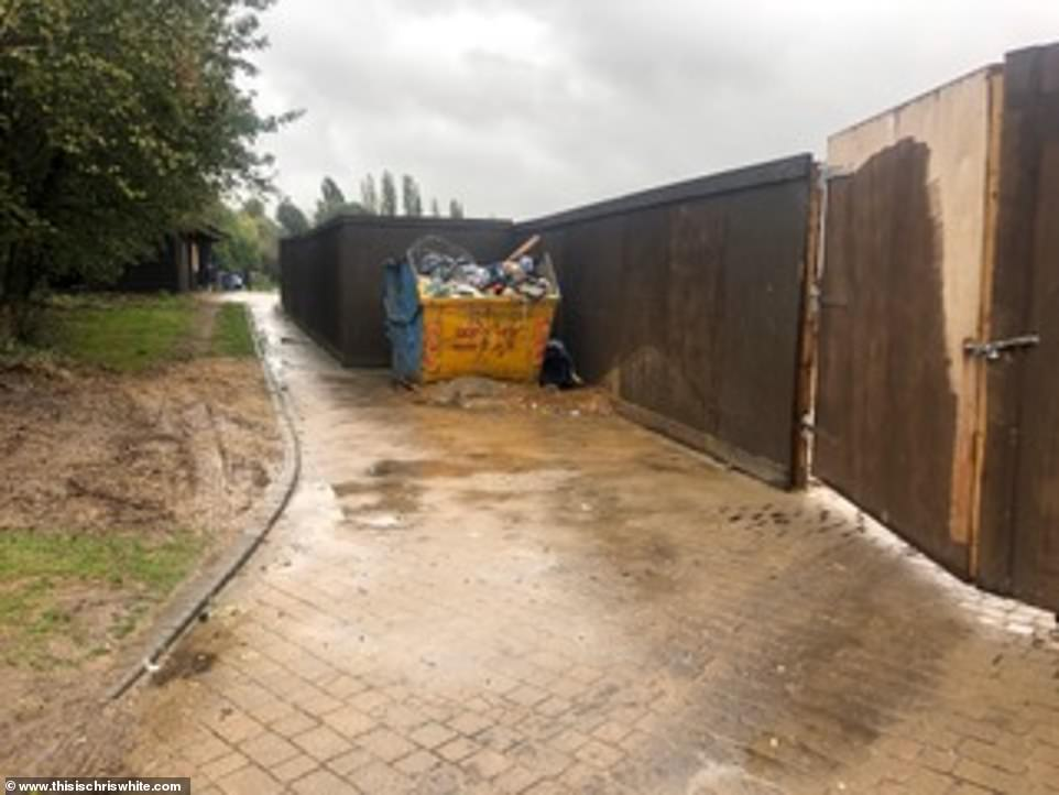 Blocks access: 'Building walls as prescribed will block access to this right'