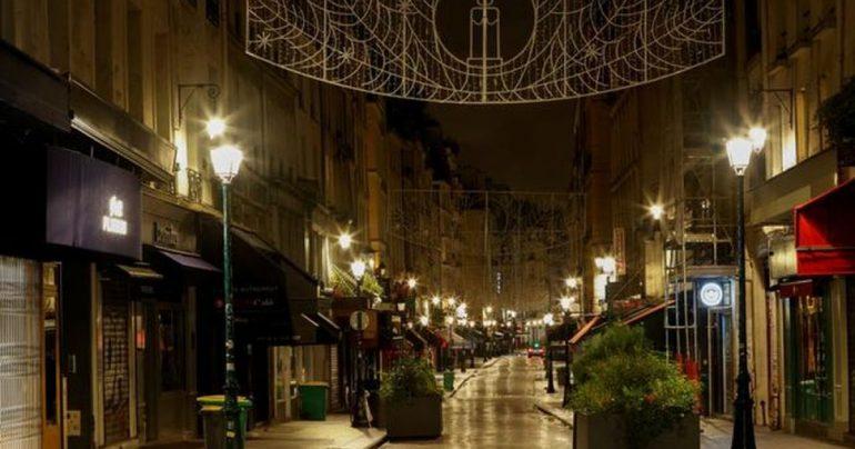 Paris Boulevards abandoned as Christmas shopping business claims lockdown    Money