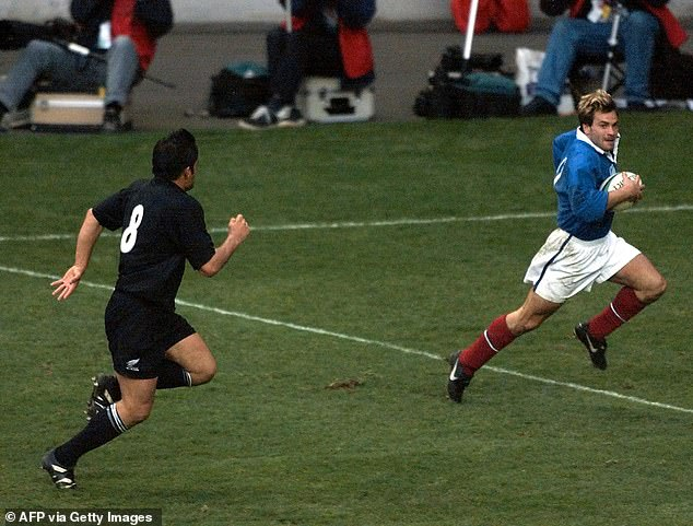 Dominic surpasses his famous attempt against the All Blacks in 1999