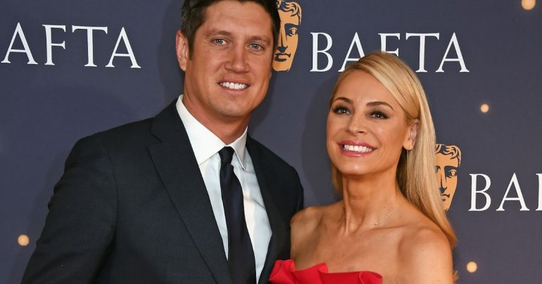 Tess Daly says she's proud of Wesnon Kay in her sweet message on the ISA Celeb