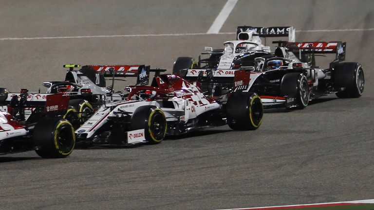The French driver of the Haas F1, Romain Grosjean (ra), was driving before the accident